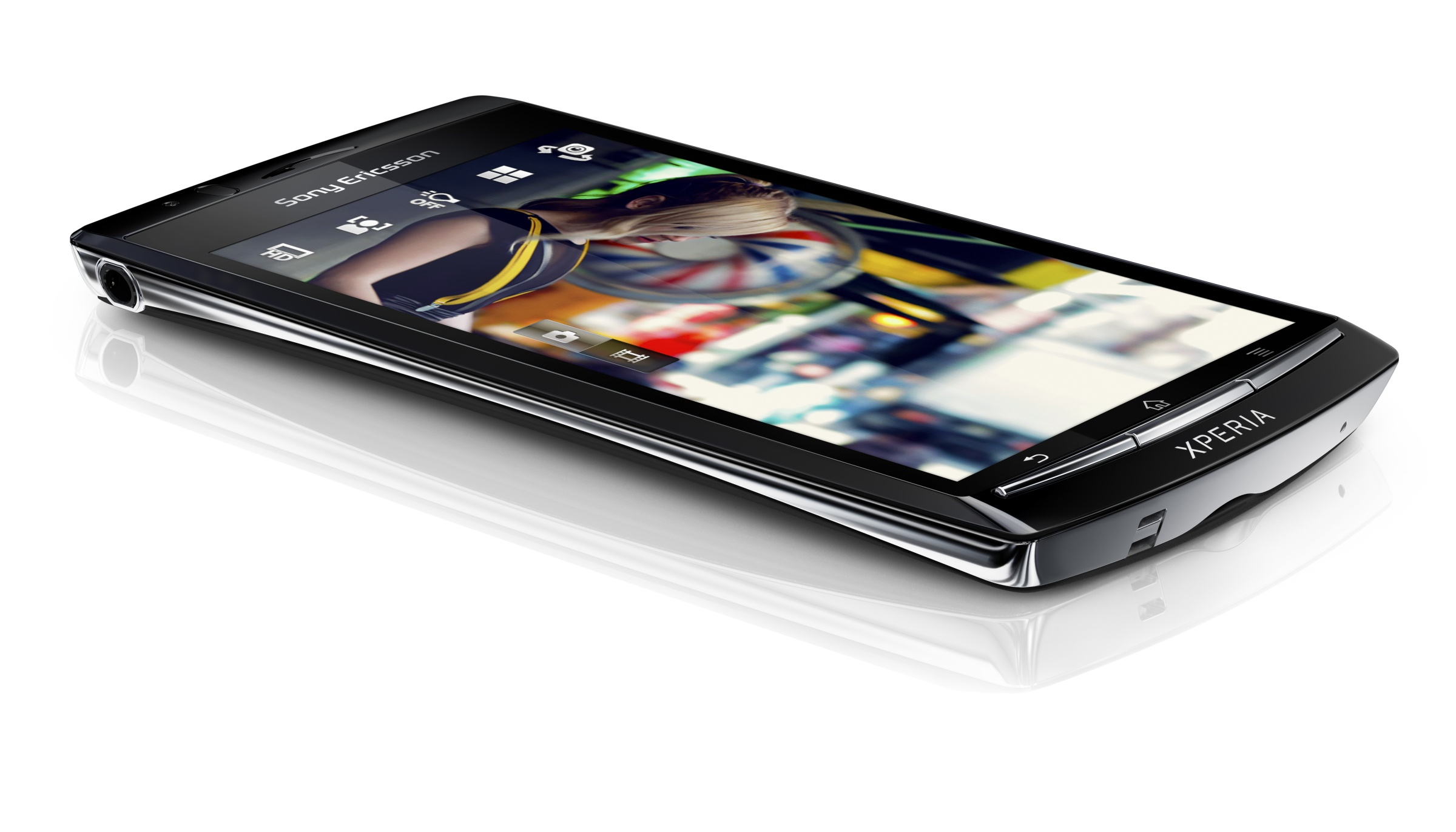 """Sony Ericsson confirms its XPERIA Arc – 4.2"""" multitouch screen, with ..."""