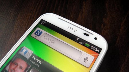htc-sensation-xl-photo-3